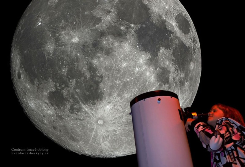 Centrum tmavé oblohy, Beskydy - Měsíc hvězdářským dalekohledem