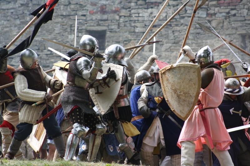 Hukvaldský hrad bude v sobotu v obležení rytířů