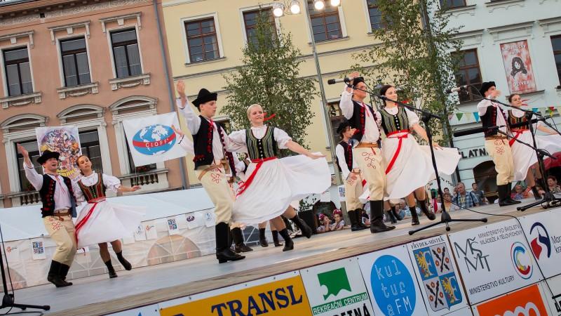 Koncert folklórního soubouru Sľuk zahájí 23. ročník Mezinárodního folklórního festivalu