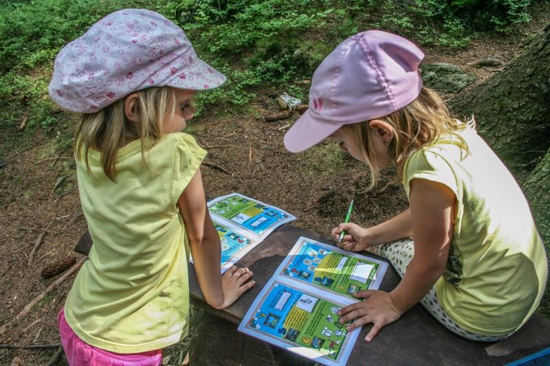 Víte, že v Beskydech máme jedinečnou obrázkovou cestu? Nově ji doplnily i soutěžní karty!