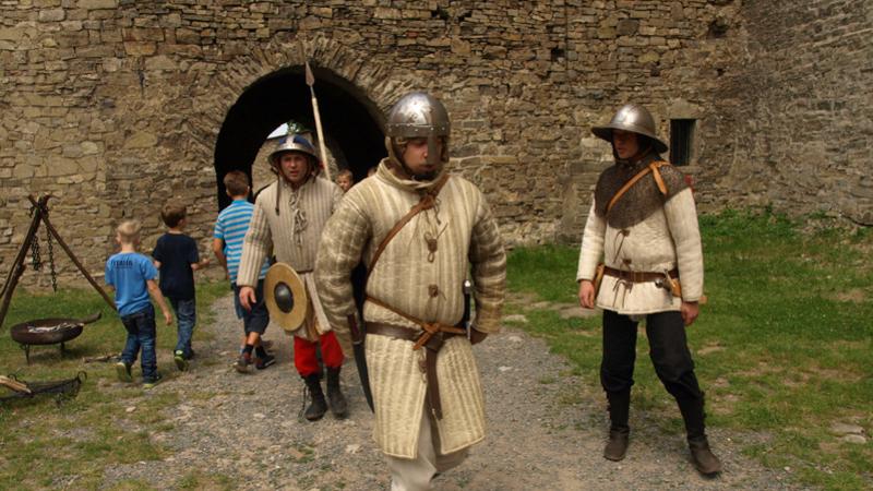 Jak se žilo na hradu Hukvaldy ve 14. století, poznali návštěvníci sobotní akce