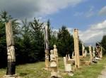 Přehradu Olešná zdobí dřevěné sochy