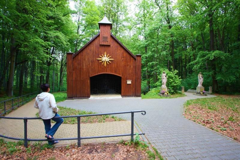 Kapelle des Hl. Kreuzes im Wald Hájek