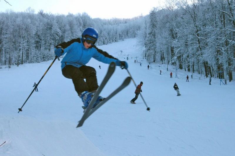 Červený kámen Kopřivnice ski area