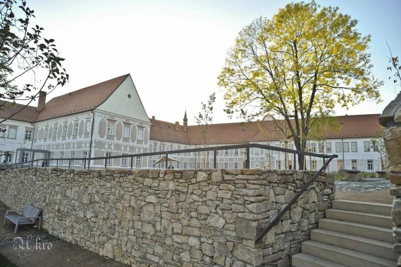 Piaristický klášter se zahradami