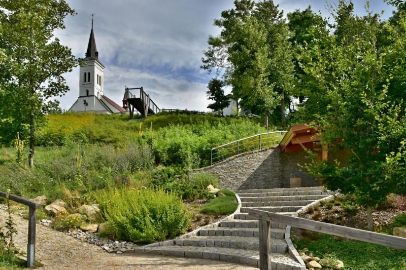 Parkoviště Malenovice - U Obecního domu